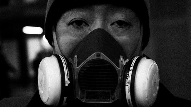 Kalangan kedokteran Jepang khawatir sebagian besar orang tidak menunjukkan gejala atau memiliki gejala ringan infeksi virus corona tidak memeriksakan diri ke klinik atau rumah sakit. (AP Photo/Jae C. Hong)