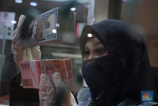 Money Changer Jual Dolar AS Rp 15.800 & SGD Rp 11.000