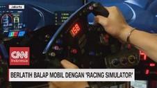 VIDEO: Berlatih Balap Mobil dengan Racing Simulator