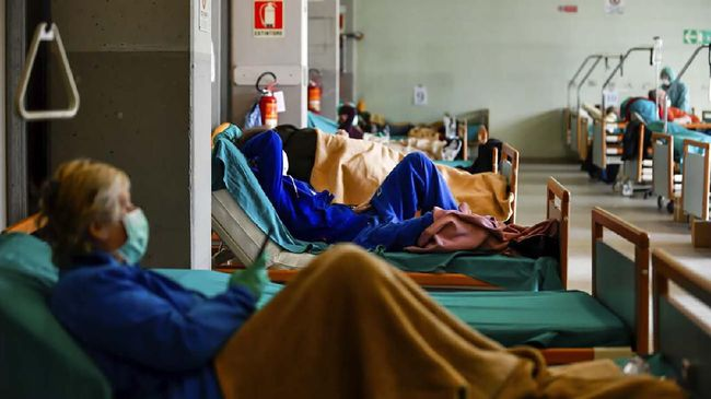 Rentetan Penyebab Corona Merebak di Italia
