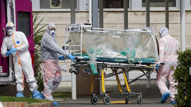 Sebelumnya pada Rabu (18/3) jumlah korban meninggal akibat Covid-19 di Italia bertambah 475 orang dalam sehari.(AP Photo/Alessandra Tarantino)