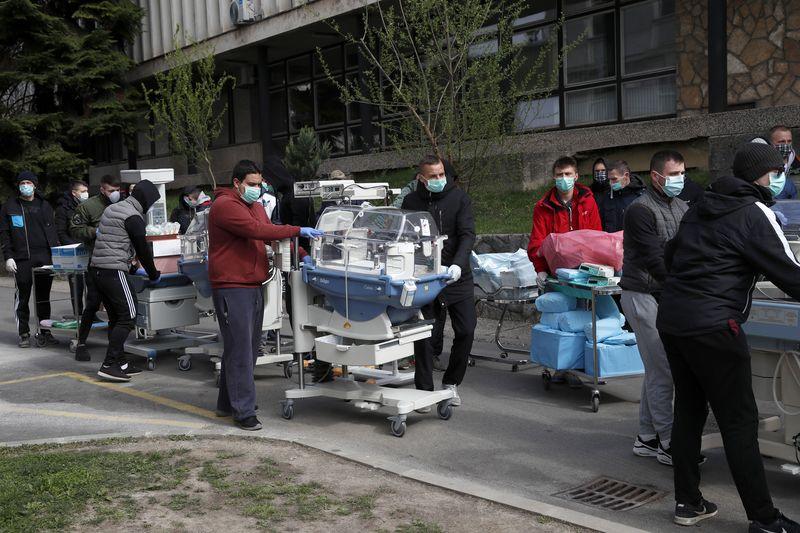 Sedang Lockdown Kota Zagreb Kroasia Diguncang Gempa M 5 3 Foto 2