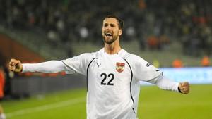 FOTO: Bintang Sepak Bola dengan Tinggi 2 Meter