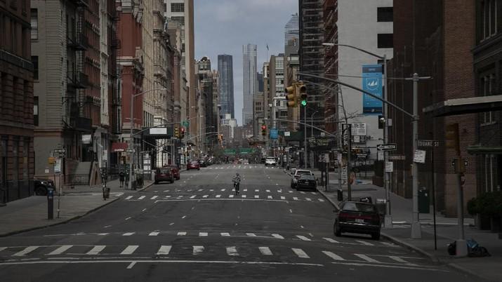 Kondisi Terkini Kota New York yang Lumpuh Karena Virus  Corona. (AP/Wong Maye-E)
