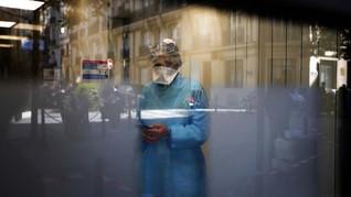 Cuma Pakai Bikini di Balik APD, Perawat di Rusia Disanksi