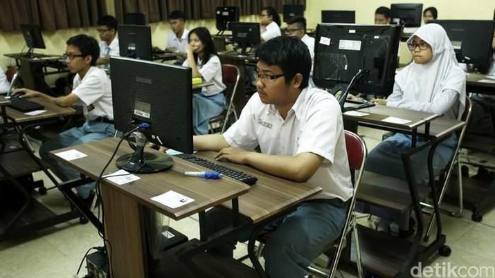 Presiden Joko Widodo (Jokowi) telah memutuskan untuk meniadakan ujian nasional (UN) untuk tahun 2020.