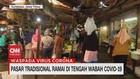 VIDEO: Pasar Tradisional Ramai di Tengah Wabah Covid-19