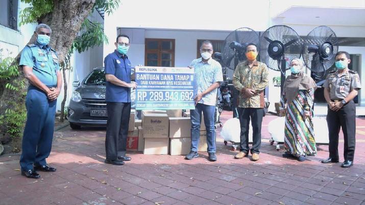 GEBAH Corona Serahkan APD & Bantuan untuk Tenaga Medis