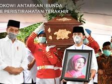 Penuh Haru, Momen Pemakaman Ibunda Presiden Jokowi