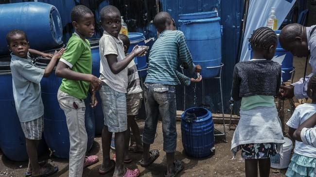 Untuk menekan penyebaran virus corona, sejumlah negara Afrika mulai menghentikan kedatangan dari luar negeri.( Yasuyoshi CHIBA / AFP)