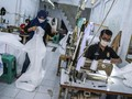 FOTO: Pembuatan APD untuk Tenaga Medis Lawan Corona