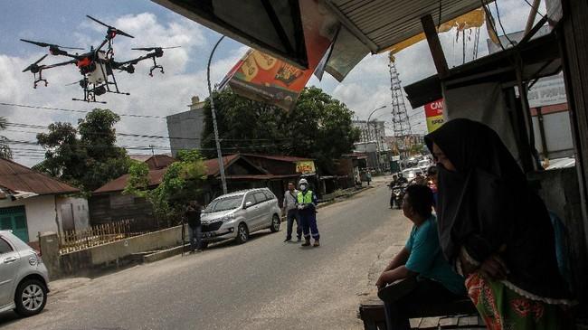 Hingga Jumat malam, tercatat 1046 kasus positif corona di Indonesia dengan 46 di antaranya telah sembuh dan dipulangkan, dan 87 meninggal dunia. (ANTARA FOTO/Rony Muharrman).