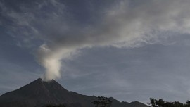 Gunung Merapi Erupsi Lagi, Tinggi Kolom Abu 3.000 Meter