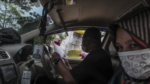 FOTO: Drive Thru Rapid Test Corona di Depok