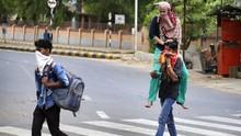 Aksi Semprot Disinfektan ke Pemudik India Tuai Kritik