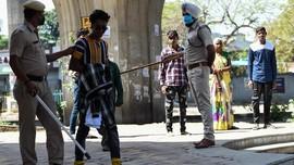 FOTO: Aksi Polisi India Tindak Warga Pelanggar Lockdown