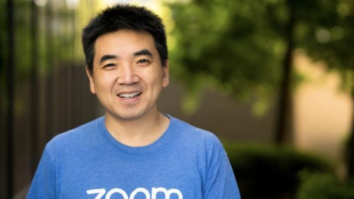 CEO Zoom, Eric Yuan meminta maaf kepada pengguna secara terbuka melalui siaran langsung di Youtube pada Rabu, 8 April, kemarin. Ada apa ini?