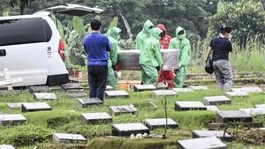 639 Jenazah di Jakarta Dimakamkan dengan Prosedur Covid-19