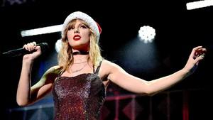 Taylor Swift Bantu Gaji Karyawan Toko Kaset saat Corona
