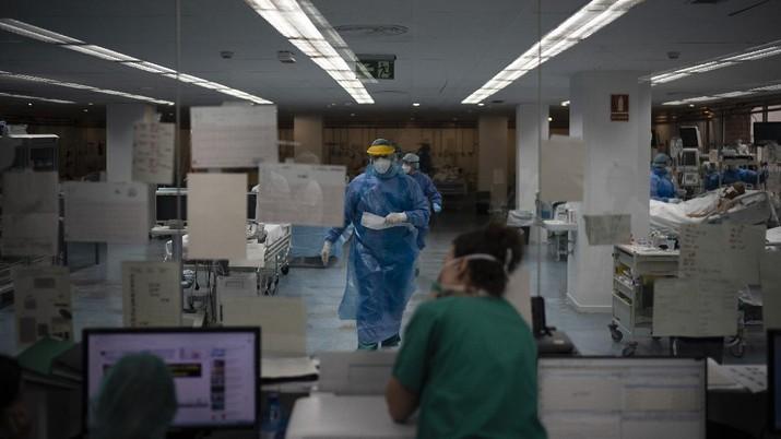 Bergulat dengan virus corona di Spanyol, Barcelona mengubah perpustakaan jadi ruang perawatan.