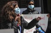 Minim APD, Puluhan Perawat Corona di AS Turun ke Jalan