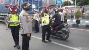 Lawan Covid-19, Begini Aksi Kreatif 'Polisi Corona' di Jatim