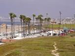 Kematian COVID-19 di AS Turun, California Longgarkan Lockdown