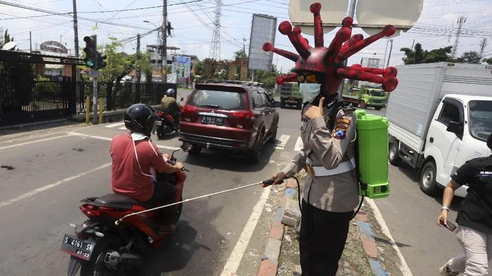 Surabaya saat ini diketahui terdapat kasus positif corona Covid-19 berjumlah 84 orang. Di Jawa Timur (Jatim) total kasus corona telah mencapai 189 kasus.