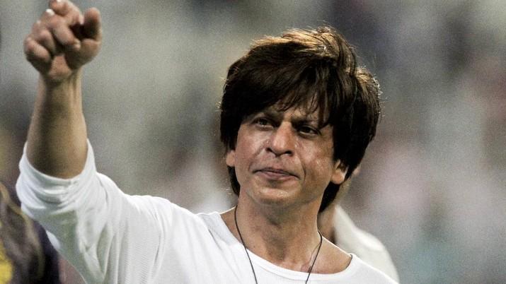 Aktor Bollywood Shah Rukh Khan tak cuma donasikan harta untuk perangi corona di negaranya, sampai merelakan kantornya jadi tempat karantina warga