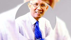 Naek L.Tobing, dari Dokter Jiwa Turun ke 'Ranjang'