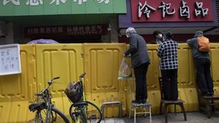FOTO: Beradaptasi dengan Tembok Kuning di Wuhan