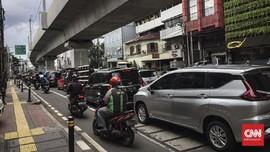 Sejumlah Jalanan Jakarta Masih Ramai Pengendara