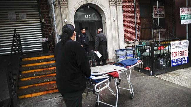 Cheeseman pernah mendapat panggilan dari rumah sakit untuk menjemput jasad untuk dimakamkan. Namun setibanya di sana, staf rumah sakit tidak bisa menemukan jasad tersebut di kamar mayat sementara.(AP Photo/John Minchillo)
