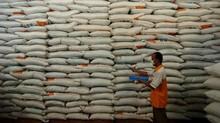 Jelang PSBB, DKI Sebut Beras Cukup untuk 5 Bulan