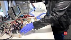 VIDEO: Tesla Rakit Ventilator untuk Pasien Corona