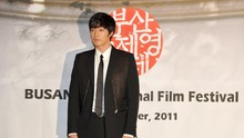 Resmi Menikah, So Ji-sub Tulis Surat buat Fan
