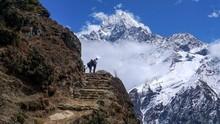 5 Cara Nikmati Gunung Everest Tanpa Pendakian Melelahkan
