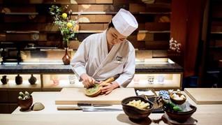 FOTO: Perjuangan Menjadi Koki Sushi Wanita di Jepang