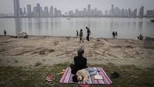 Cerita Warga Wuhan Rayakan Kebebasan Usai Lockdown Dicabut