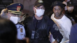 FOTO: Ronaldinho Bebas dari Hukuman Penjara
