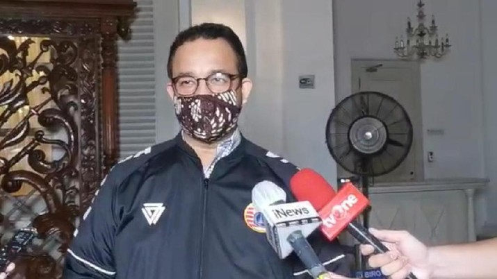 Gubernur DKI Jakarta Anies Baswedan menanggapi hari pertama pelaksanaan Pembatasan Sosial Berskala Besar (PSBB).