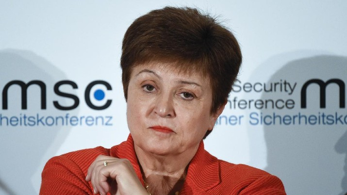 """FILE - In this Feb. 14, 2020 file photo, Kristalina Georgieva, Managing Director of the International Monetary Fund, attends a session on the first day of the Munich Security Conference in Munich, Germany.   Georgieva said Friday, March 27,  it is clear that the global economy has now entered a recession that could be as bad or worse than the 2009 downturn.  She said the 189-nation lending agency was forecasting a recovery in 2021, saying it could be a """"sizable rebound."""" But she said this would only occur if nations succeed in containing the coronavirus and limiting the economic damage(AP Photo/Jens Meyer, File)"""