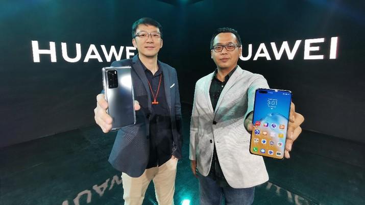 Huawei P40 Pro hadir dalam dua varian warna, yakni Deep Sea Blue dan Silver Frost. Ponsel ini dibanderol Rp 14,499 juta.