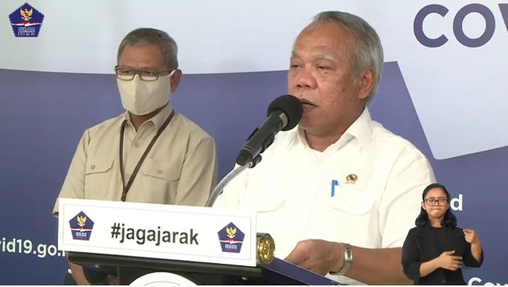 Menteri PUPR, Basuki Hadimuljono memberikan keterangan pers mengenai Padat Karya Tunai untuk Menjaga Penghidupan Masyarakat dan Menekan Angka Pengangguran
