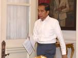 Dear Para Menteri, Ada Kabar Jokowi Nggak Jadi Reshuffle Nih!