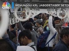 Menunggu KRL Jabodetabek Setop Operasi
