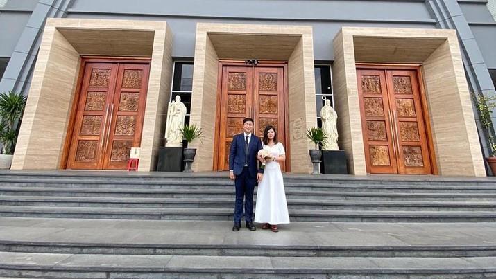 Pernikahan Johana Kusnadi dan Roland Deselly (Screenshot instagram @johanakusnadi)