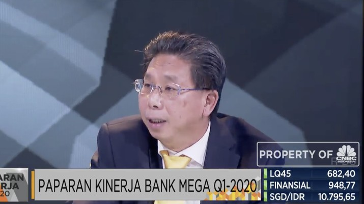 Kostaman Thayib, Direktur Utama Bank mega.