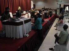 Penghasilan Berkurang, Nasabah Ramai-ramai 'Serbu' Pegadaian