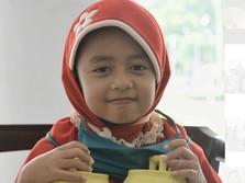 Bongkar Celengan, Anak SD Jadi Tangan di Atas Perangi Corona